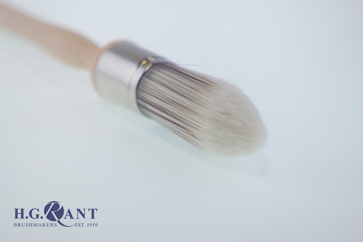 Continental Pointed Sash Brush